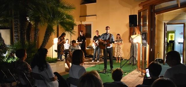 U subotu 10. kolovoza 2019. godine, u Kući Betanija duhovnom centru za turiste u Velom Lošinju održan je slavljenički koncert duhovne glazbe u znaku SLAVIMO GOSPODINA! Koncert je predvodio osmeročlani […]